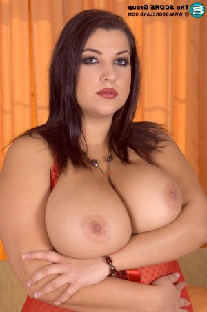 Lenita live escorts Deerfield, IL